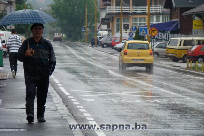 Pregedate slike iz ?lanka: Obilne padavine