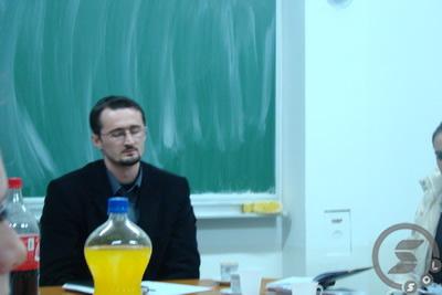 Pregedate slike iz ?lanka: Odr�ana javna debata u MS�