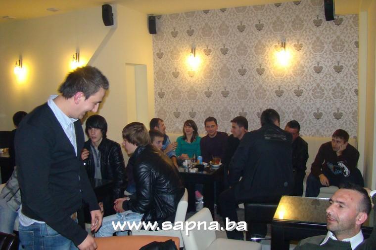 Pregedate slike iz članka: Renoviran caffe IN