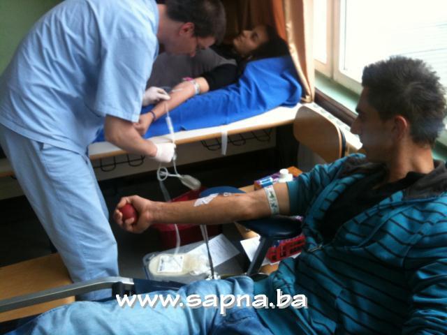 Pregedate slike iz ?lanka: Darivanje krvi