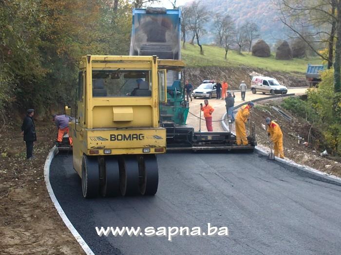 Pregedate slike iz članka: Završeno asfaltiranje dionice puta za Goduš